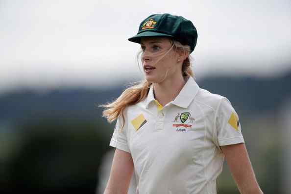 Top 10 Most Beautiful Women Cricketers Holly Ferling – Australia