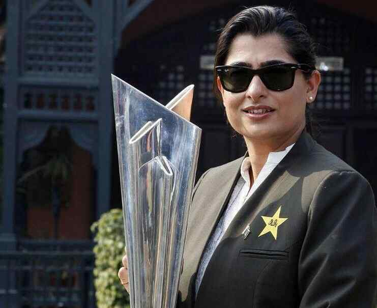 Top 10 Most Beautiful Women Cricketers of All Time Sana Mir – Pakistan